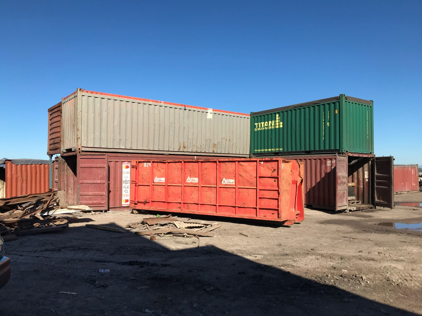 Administrators Sale – Waste Management Open Top Shipping Containers, Mobile Trommel Screen, Trucks, Trailers & Excavators Etc.